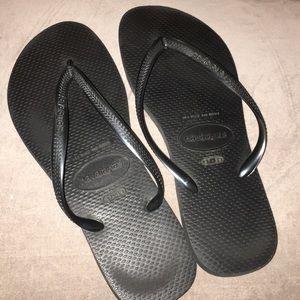 Havaianas Shoes - Classic Black Havaianas Flip Flops